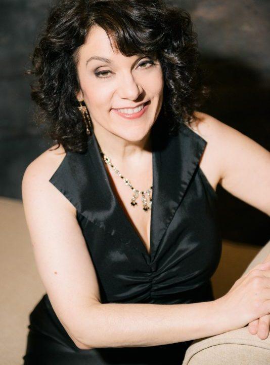 Judith Cohen, pianist.